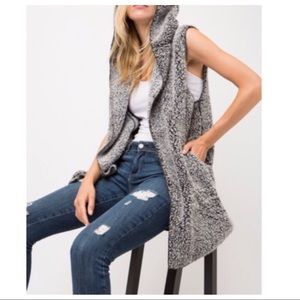 Jackets & Blazers - Sleeveless soft textured hooded vest